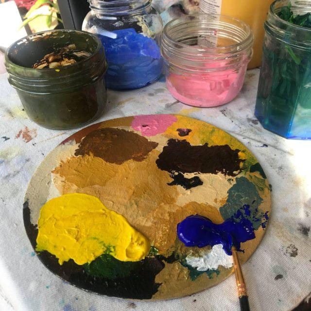 Palette peinture-acrylique-bleu-outremer