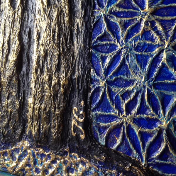 detail-signature-blue-tree-of-life-tiphanie-canada-artiste-peintre